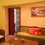Garden Apartment with Separate Bedroom(1-3 persons)